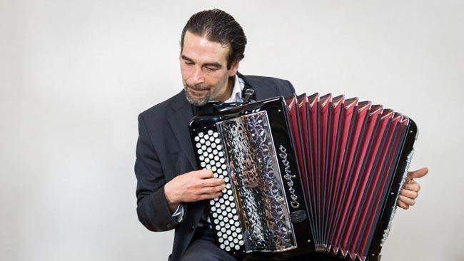 Photo fred accordeon musette valse jazz manouche swing-1