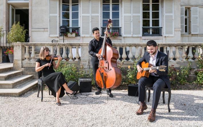 trio-manouche-guitare-violon-contrebasse-1