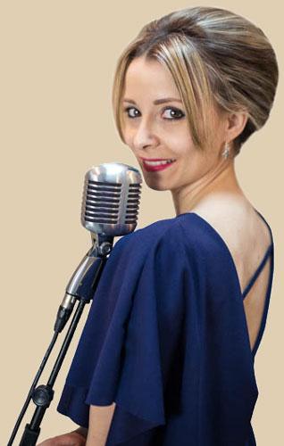 Photo-Bianca-chanteuse-pour-animation-musicale-1